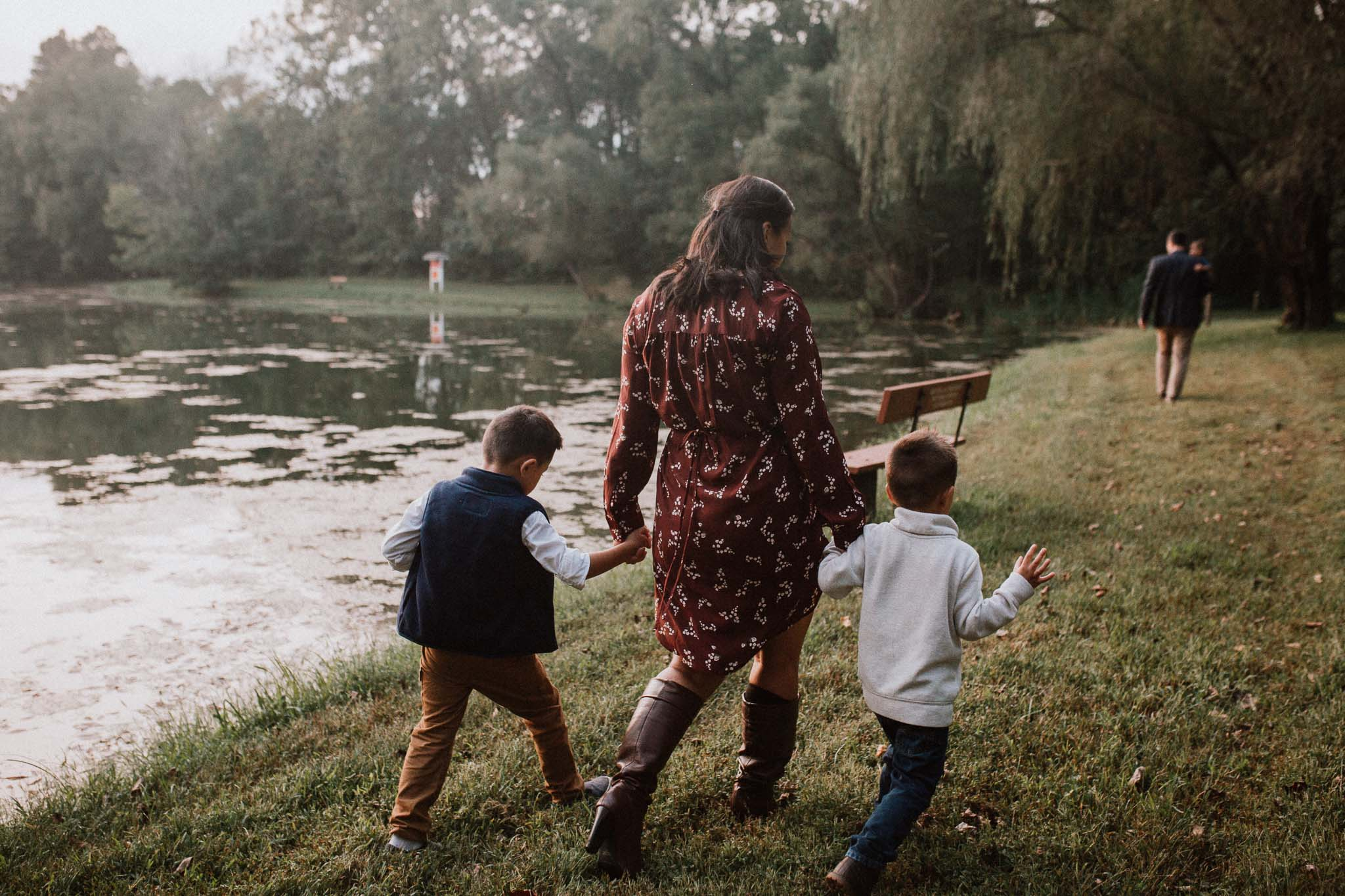 mother sons Family Lifestyle Documentary Sunset Golden Hour Izaak Walton League Leesburg Loudoun Virginia Marti Austin Photography