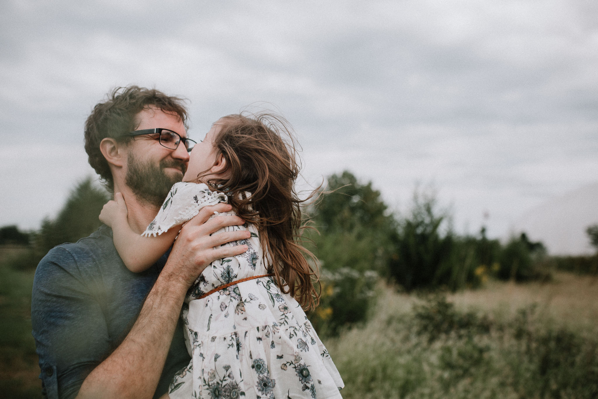 daddy daughter hug kiss Toddler Girl Ashburn Virginia Lifestyle Documentary Family Marti Austin Photography
