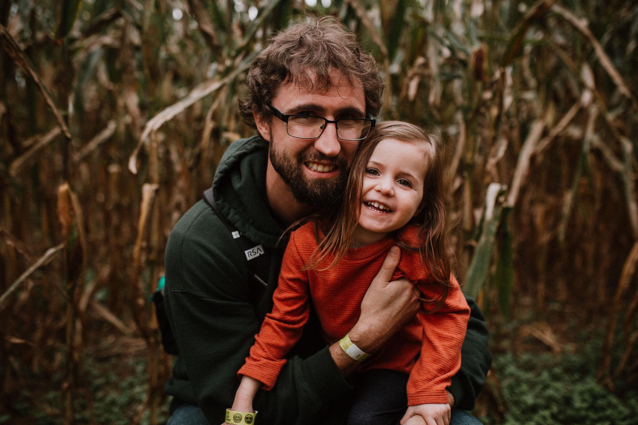 father daughter corn maze Ashburn Loudoun Virginia Lifestyle Documentary Family Marti Austin Photography