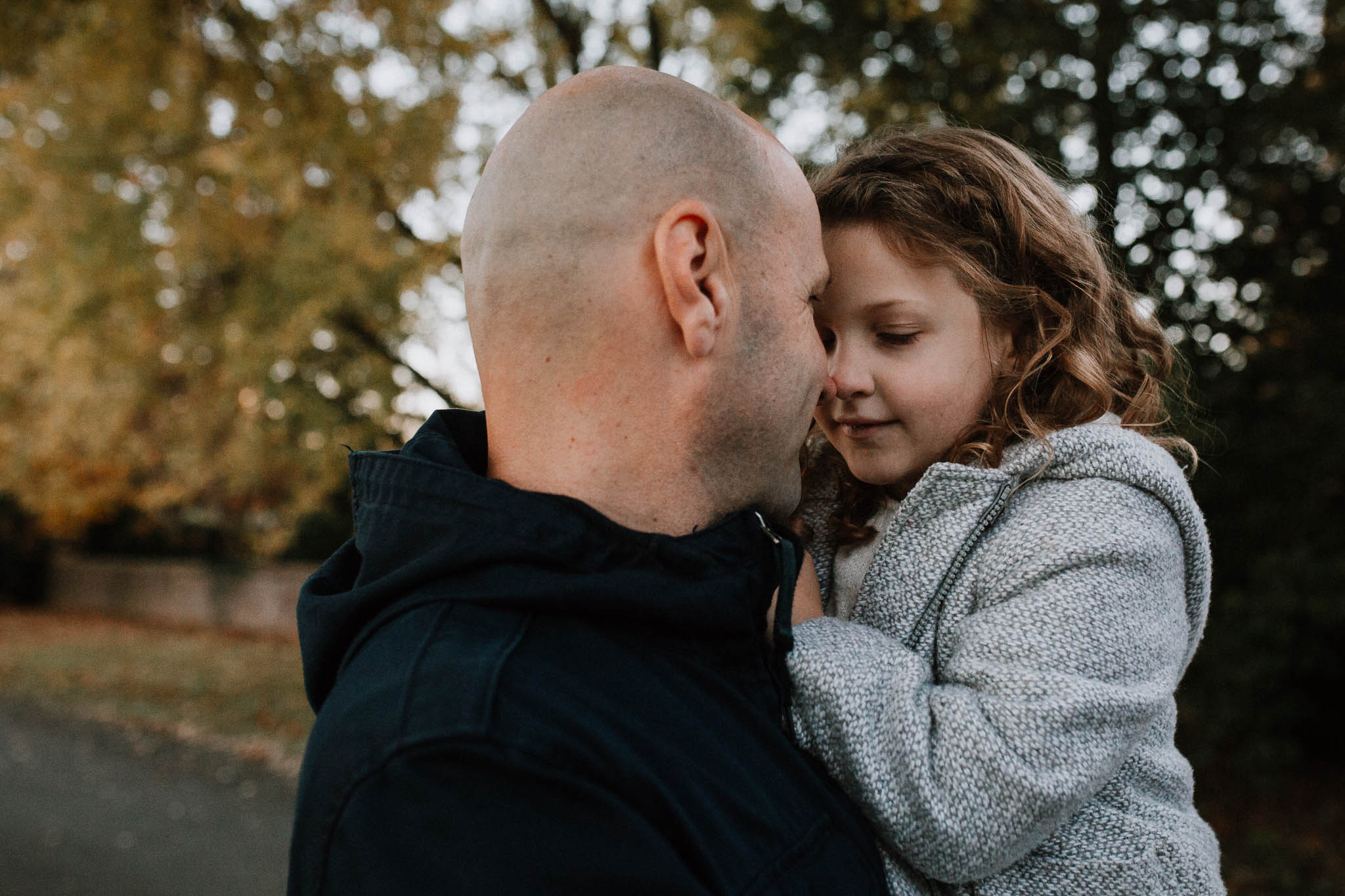 father daughter family lifestyle documentary Morven Park Leesburg Loudoun Virginia Fall Autumn Marti Austin Photography