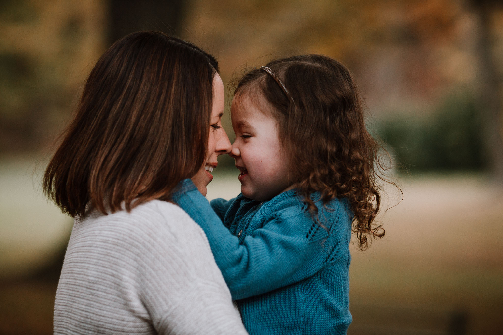 mother daughter laugh smile family fall autumn lifestyle documentary Morven Park Leesburg Loudoun Virginia Marti Austin Photography