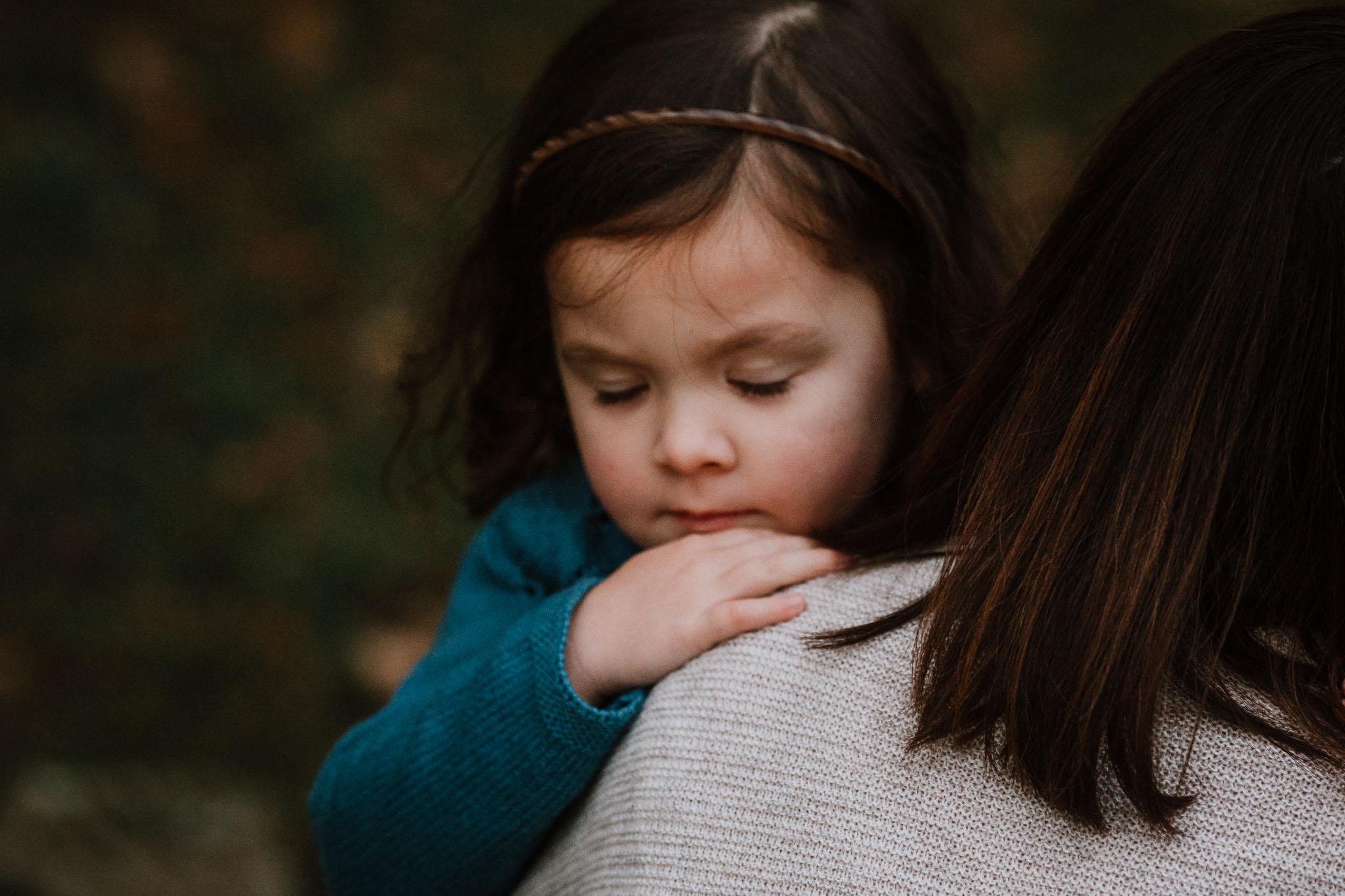mother daughter hug family fall autumn lifestyle documentary Morven Park Leesburg Loudoun Virginia Marti Austin Photography