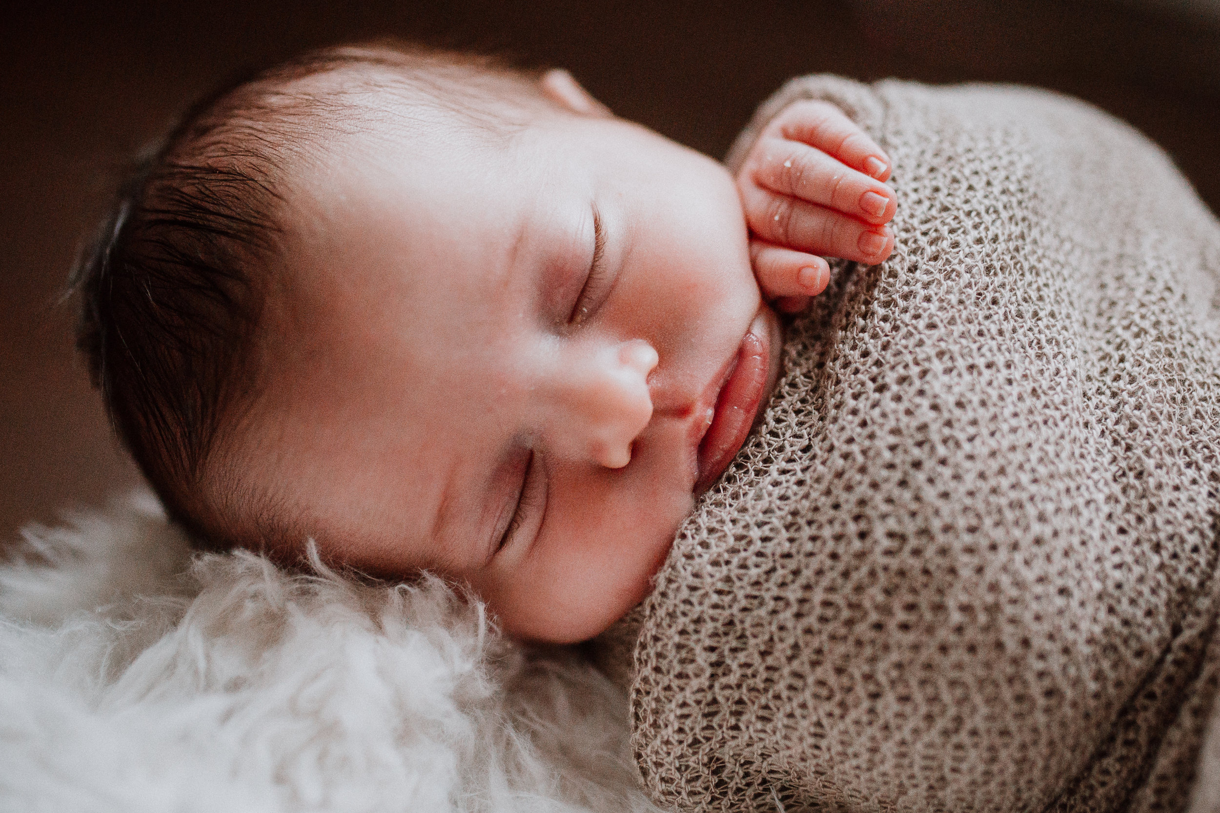 newborn baby girl lifestyle documentary family Ashburn Virginia Loudoun Marti Austin Photography