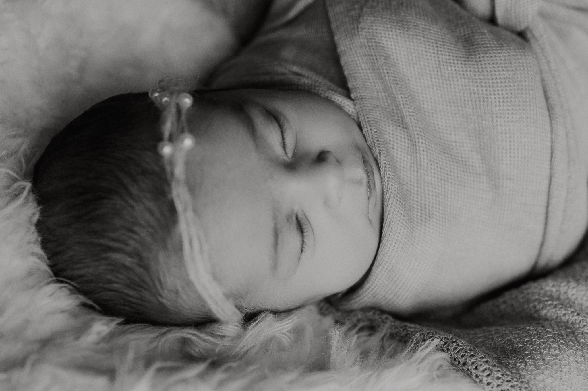 black and white newborn details in home lifestyle documentary newborn baby girl family Aldie Loudoun Virginia Marti Austin Photography