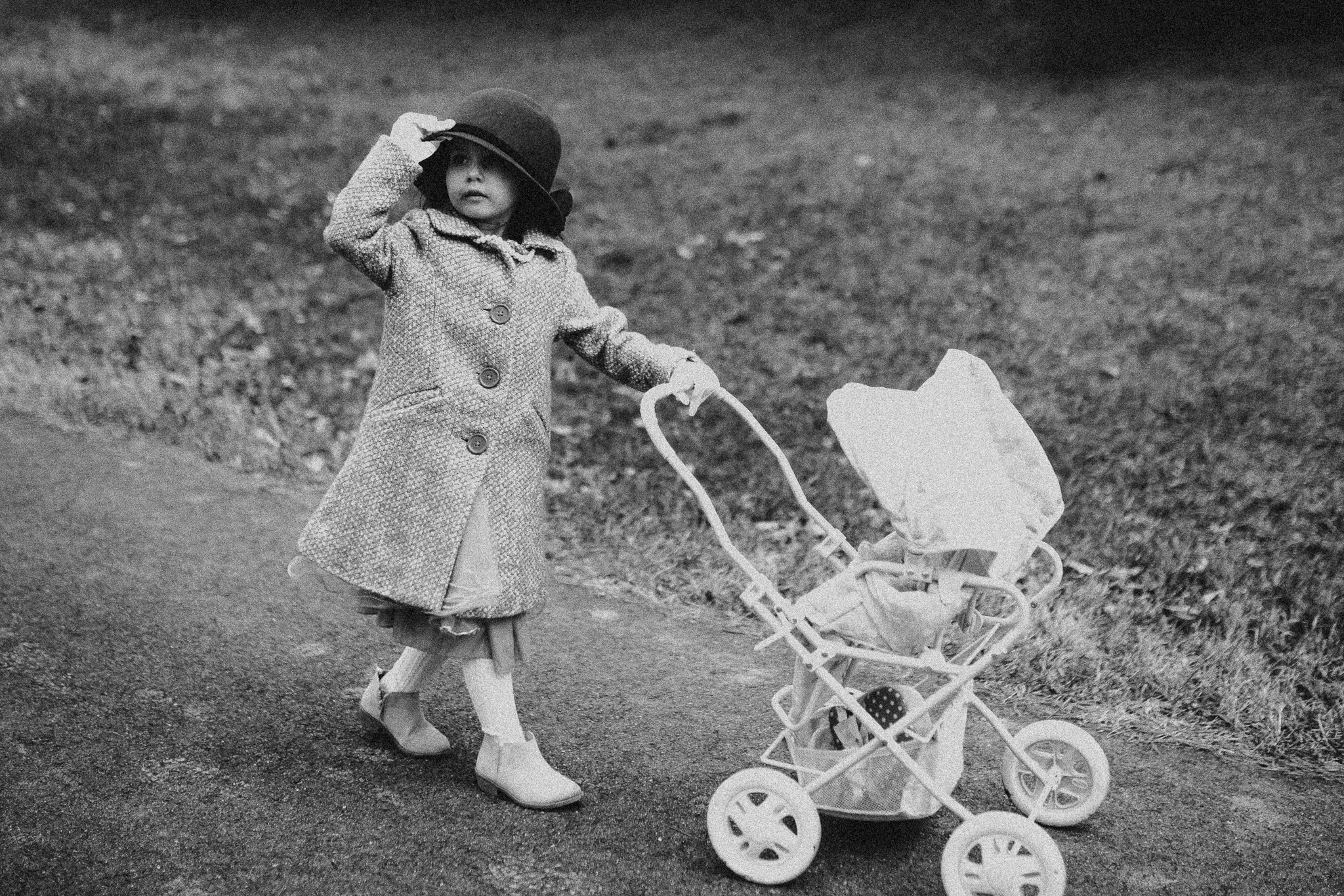 black and white girl stroller walk childhood lifestyle documentary Ashburn Virginia Marti Austin Photography