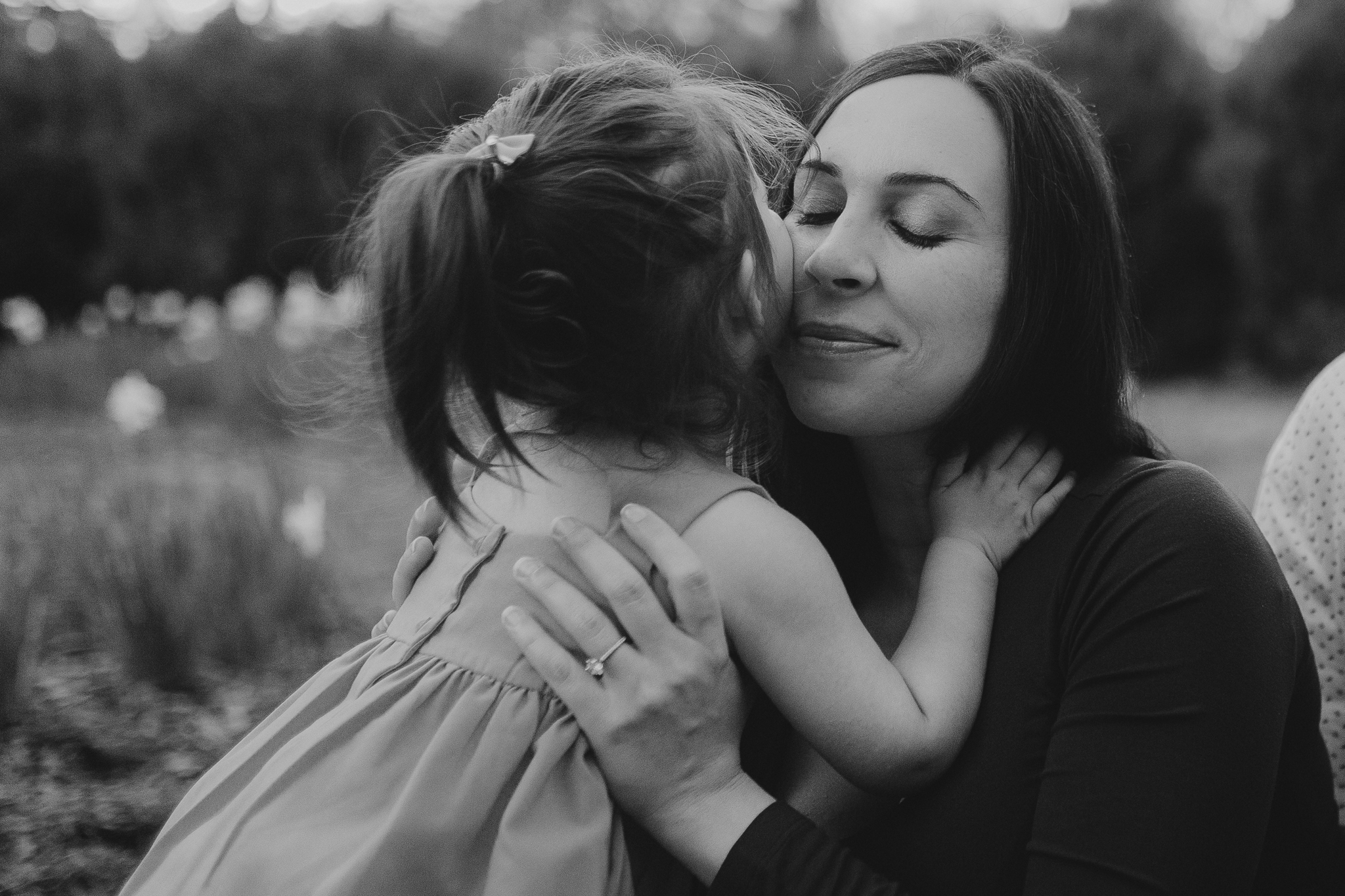 black and white mother daughter hug kiss lifestyle documentary family maternity Morven Park Leesburg Loudoun Virginia Spring Golden Hour Sunset Marti Austin Photography