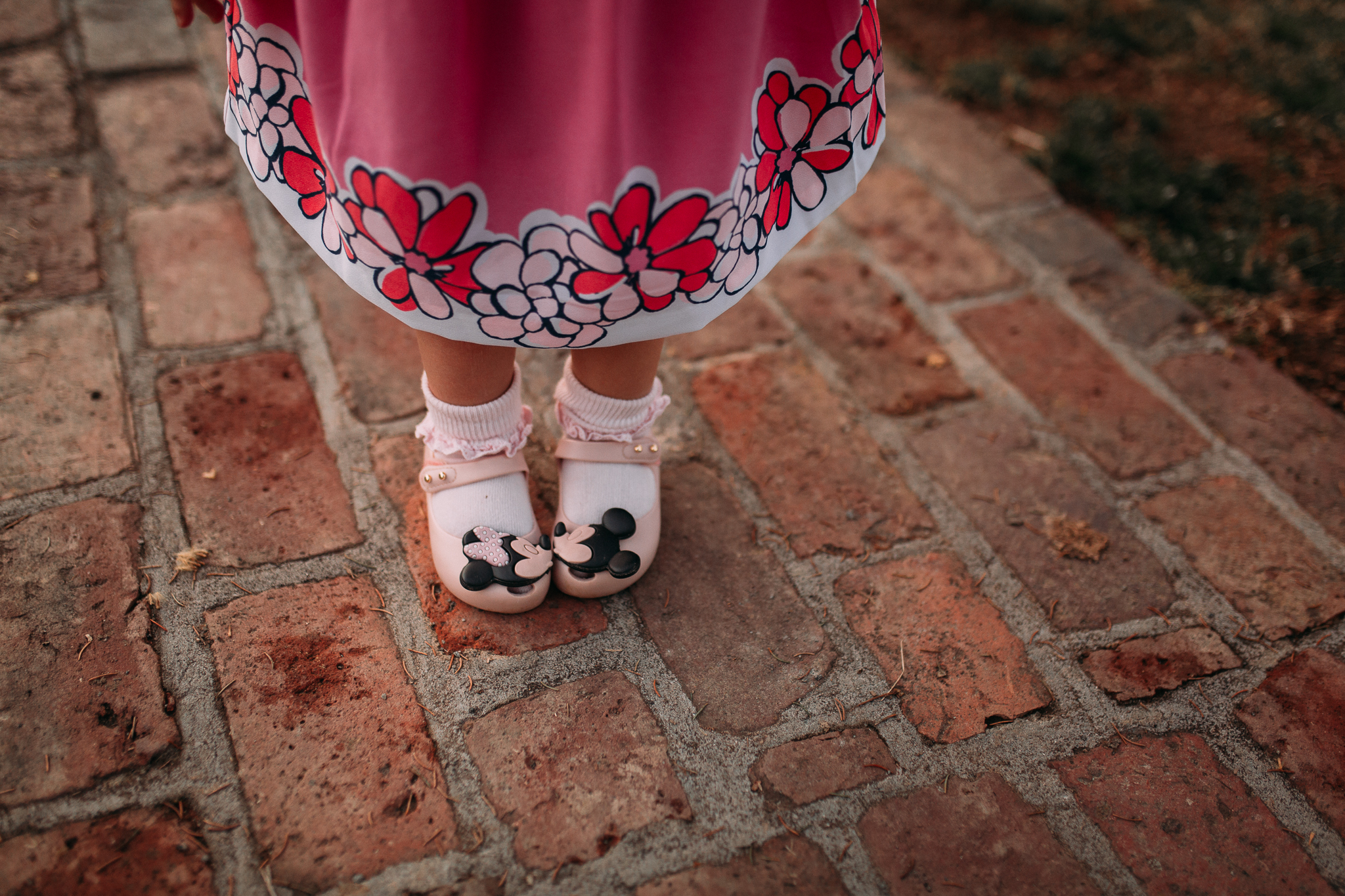 toddler shoes mickey minnie mouse kiss lifestyle documentary family maternity Morven Park Leesburg Loudoun Virginia Spring Golden Hour Sunset Marti Austin Photography
