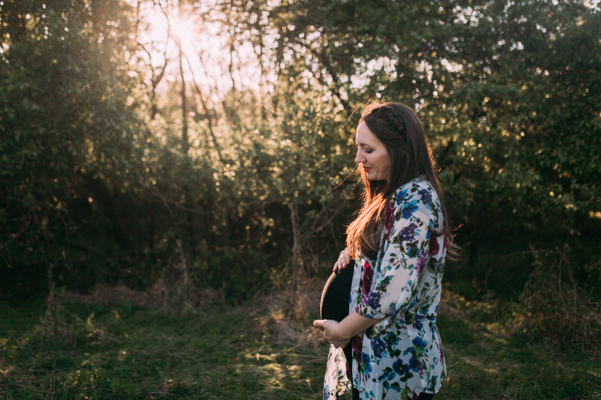 maternity motherhood family lifestyle documentary Claude Moore Park Sterling Loudoun Virginia Golden Hour Sunset spring Marti Austin Photography