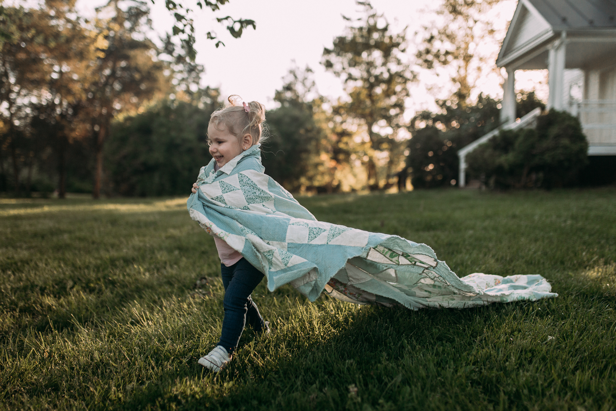 toddler girl cape quilt blanket maternity motherhood family lifestyle documentary Claude Moore Park Sterling Loudoun Virginia Golden Hour Sunset spring Marti Austin Photography