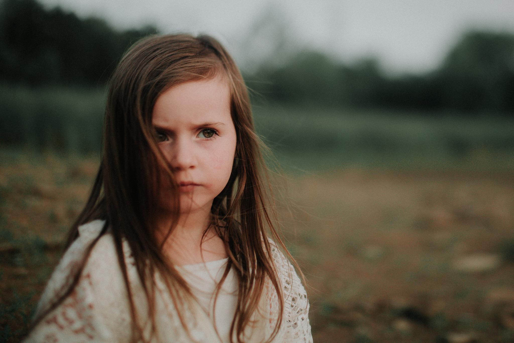 freelensed portrait girl at beach lifestyle documentary family Ashburn Loudoun Northern Virginia Marti Austin Photography Beaverdam Reservoir