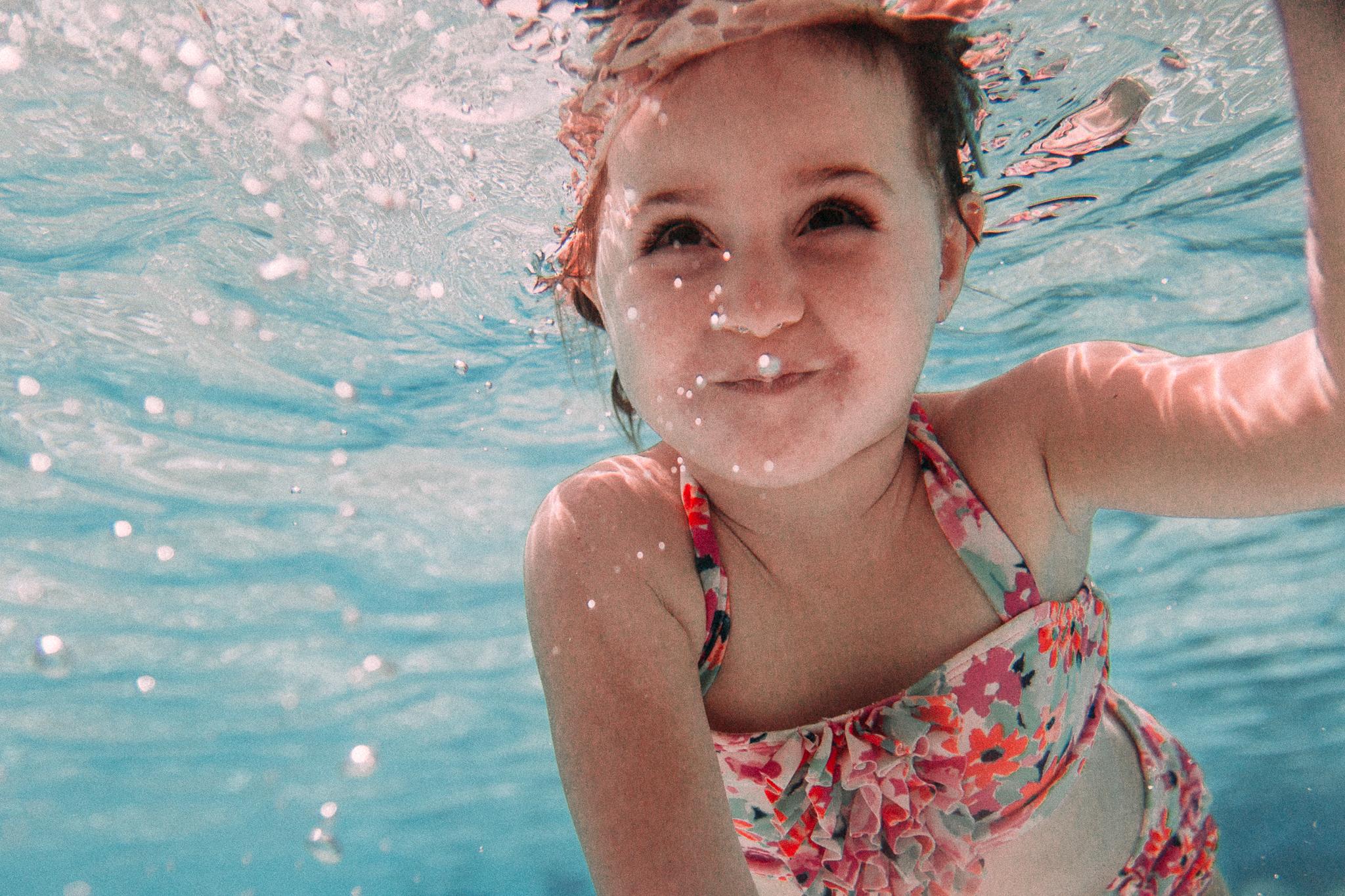 underwater portrait girl swimming pool summer Ashburn Loudoun Northern Virginia family lifestyle documentary childhood Marti Austin Photography