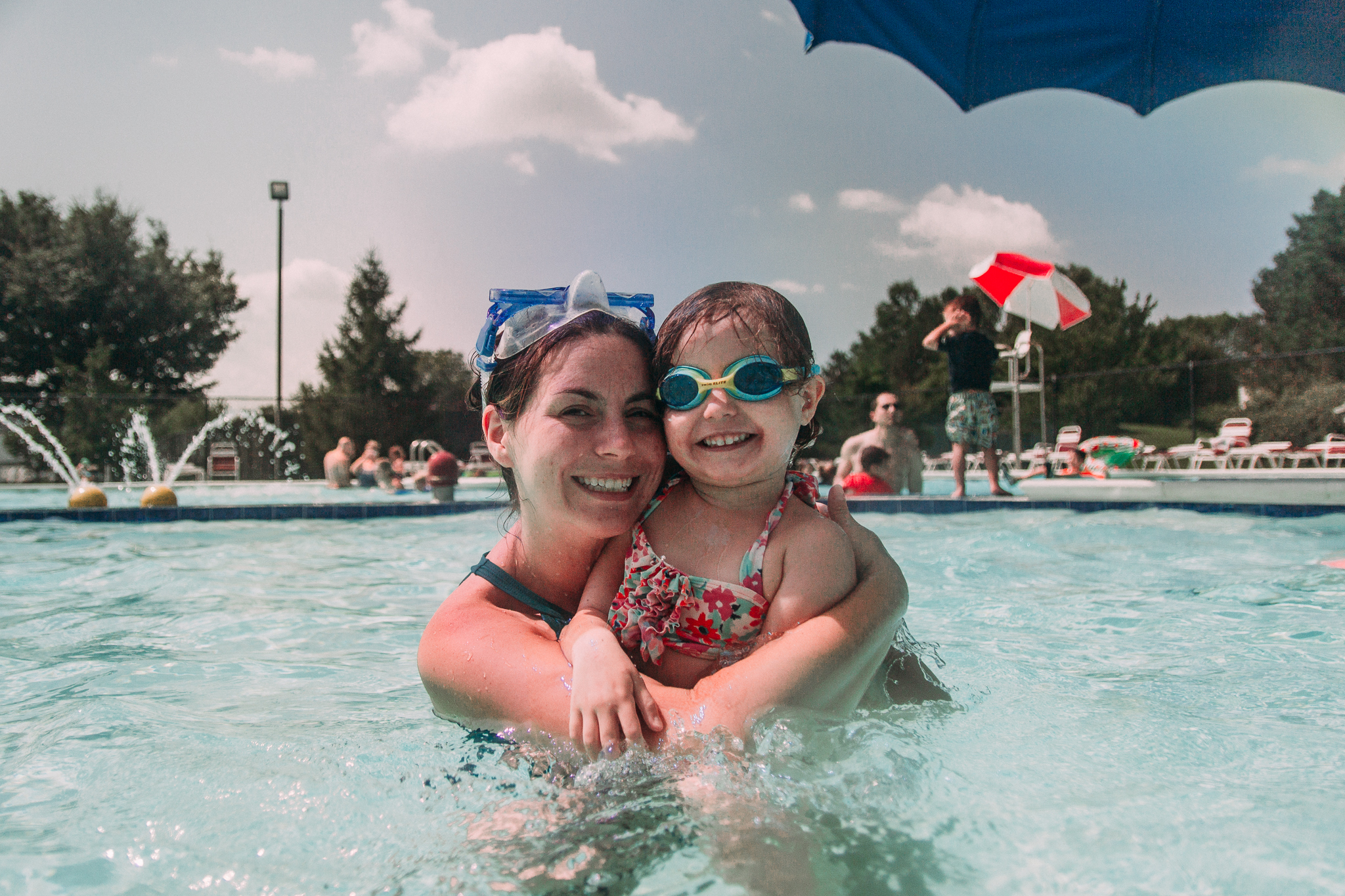mother daughter pool swimming summer Ashburn Loudoun Northern Virginia family lifestyle documentary childhood Marti Austin Photography
