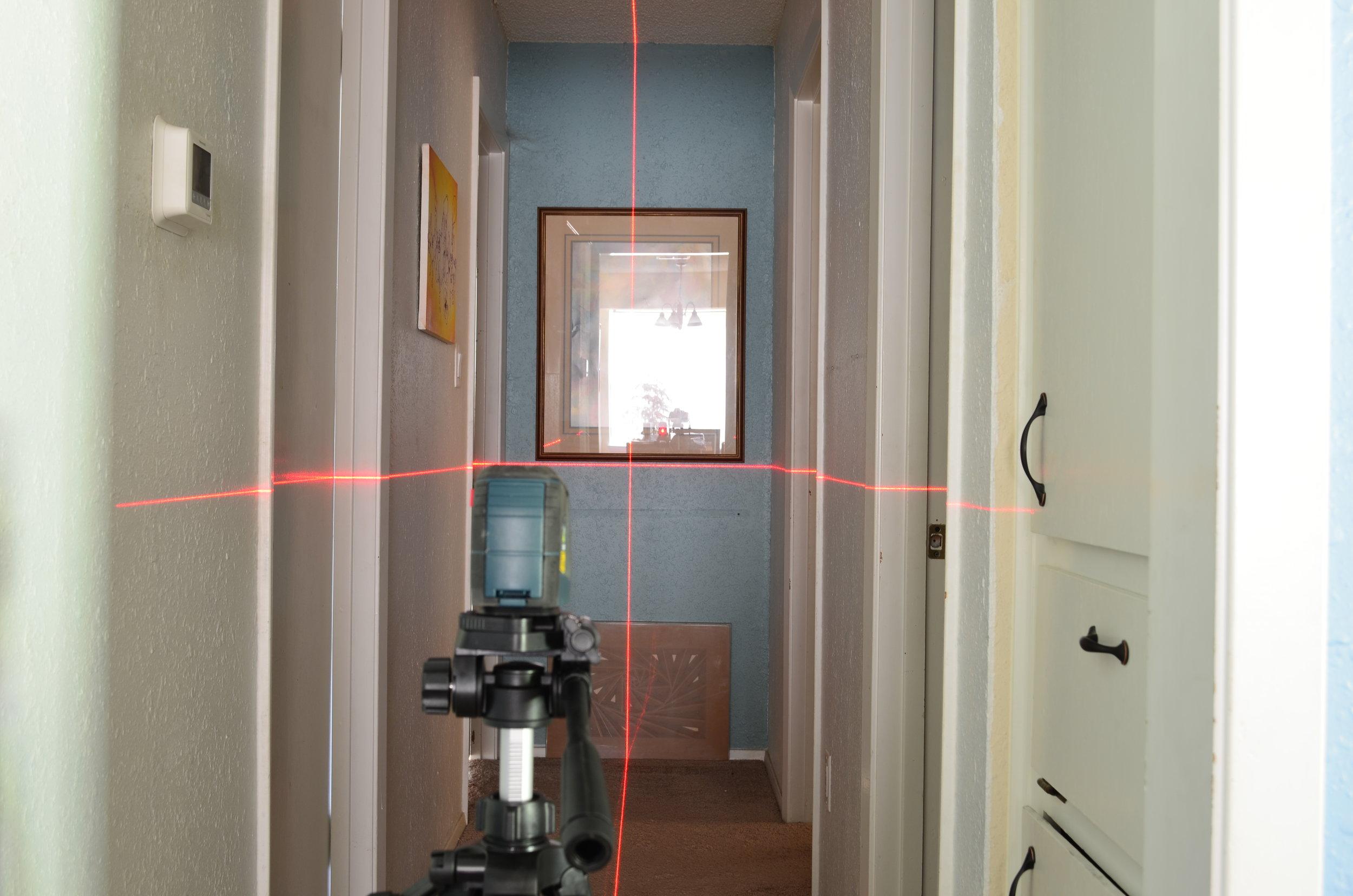 bosch-gll30-laser-level-on-tripod