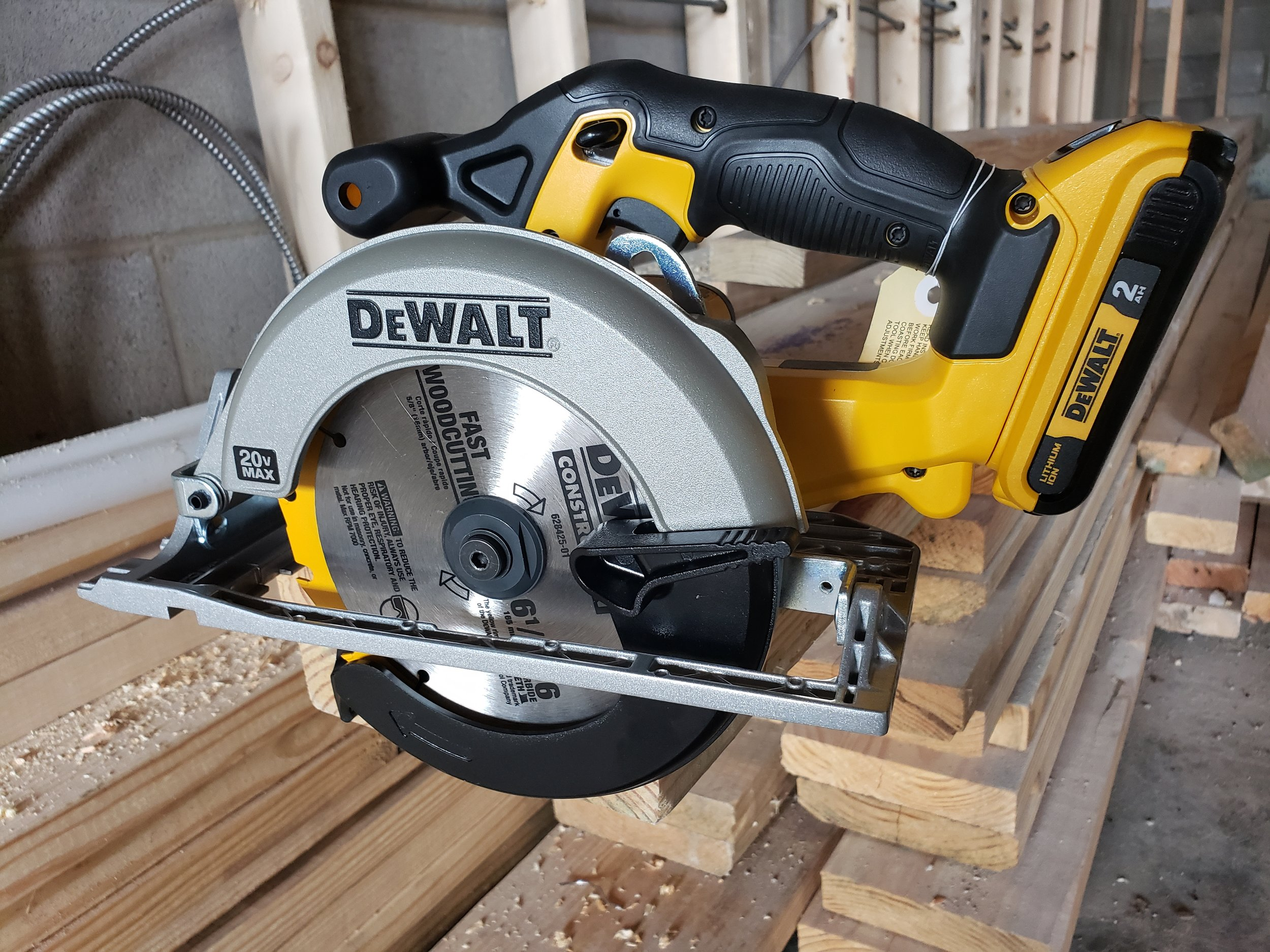 dewalt-circular-saw