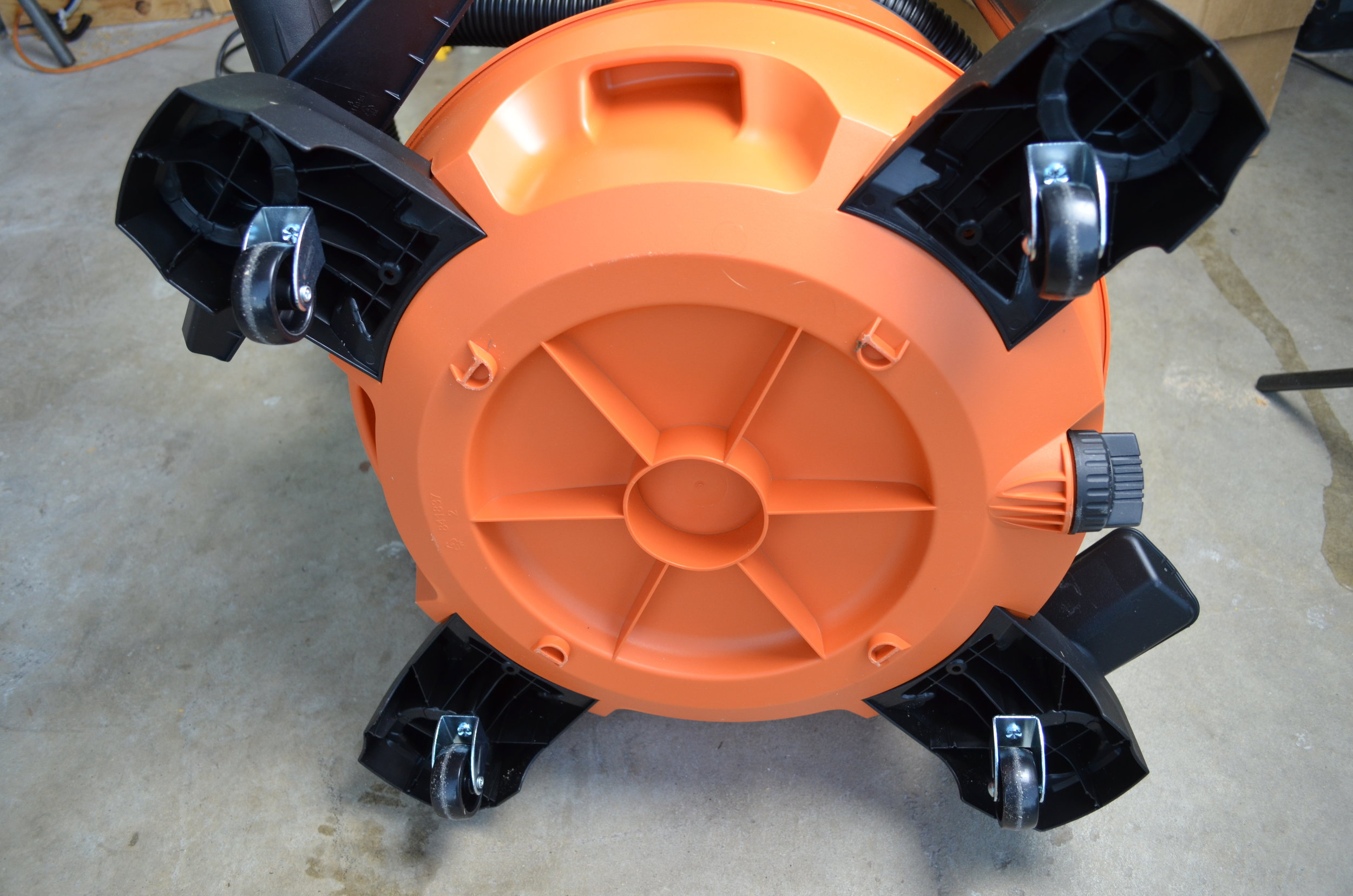 ridgid-6hp-14gal-wet-dry-nxt-vacuum-wheels