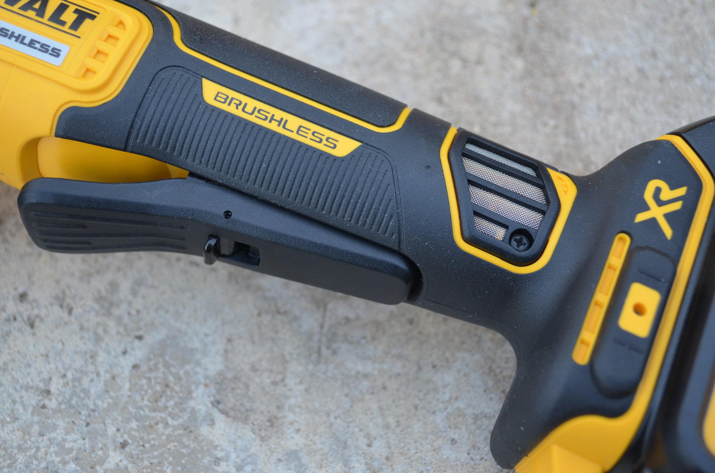 dewalt-xr-cordless-brushless-small-angle-grinder-trigger