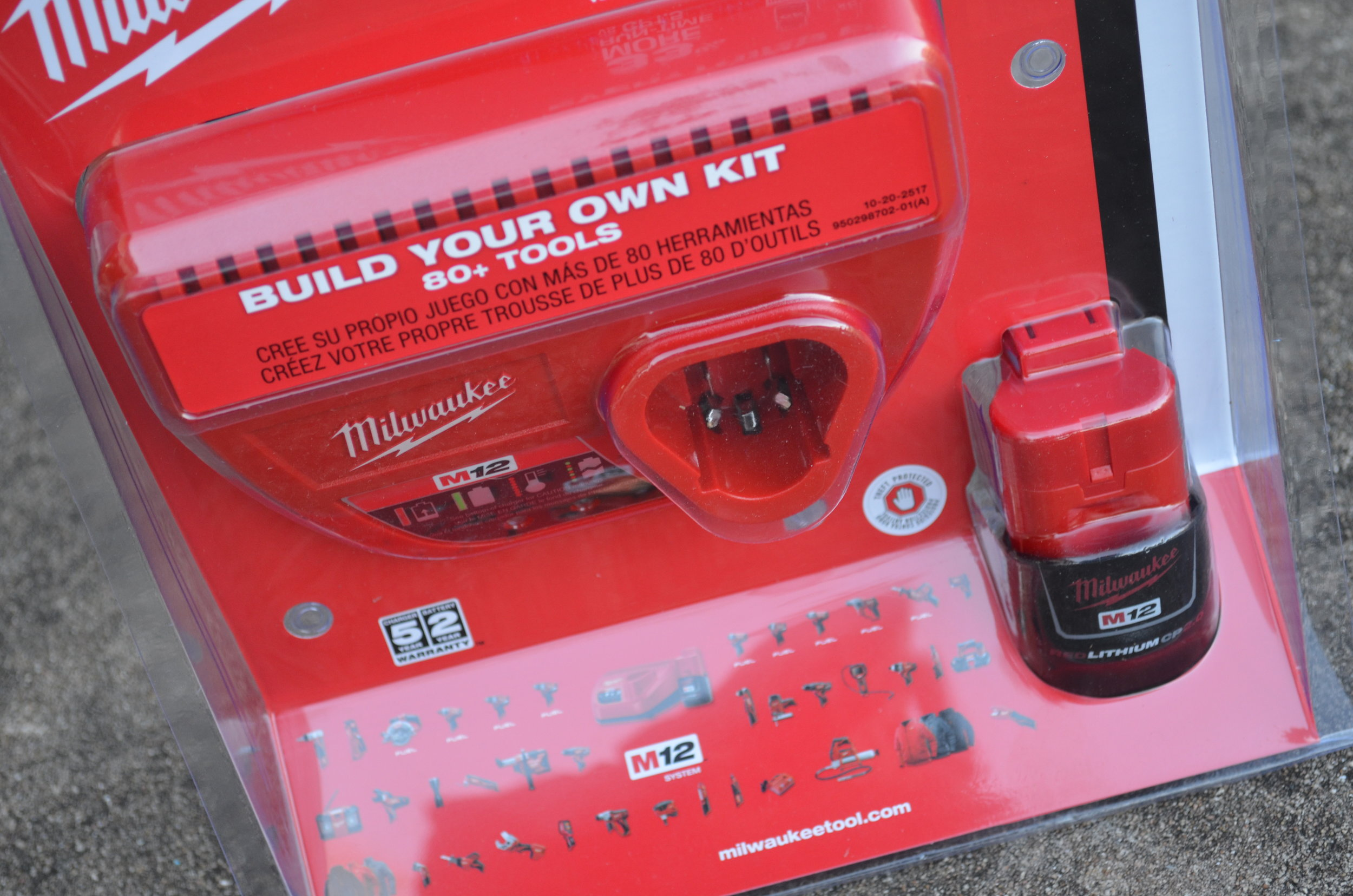 milwaukee-m12-battery-pack-and-charger