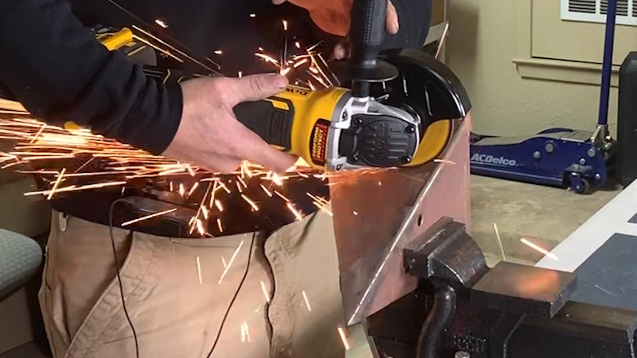 dewalt-20v-xr-cordless-brushless-angle-grinder