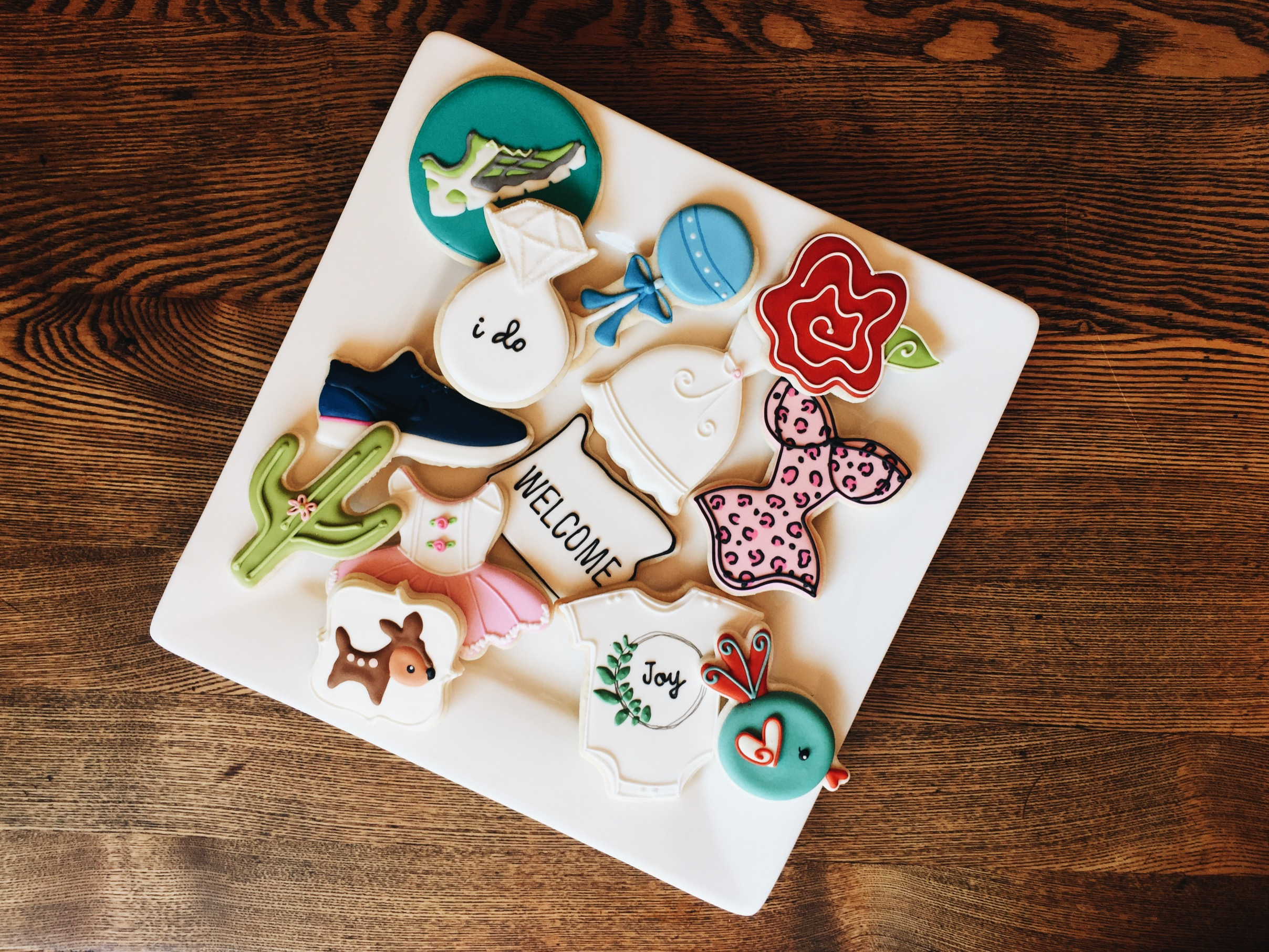 NOTE: Cookies are made in a kitchen which may contain known food allergens, including, but not limited to: wheat, eggs, milk, soy, peanuts and tree nuts.