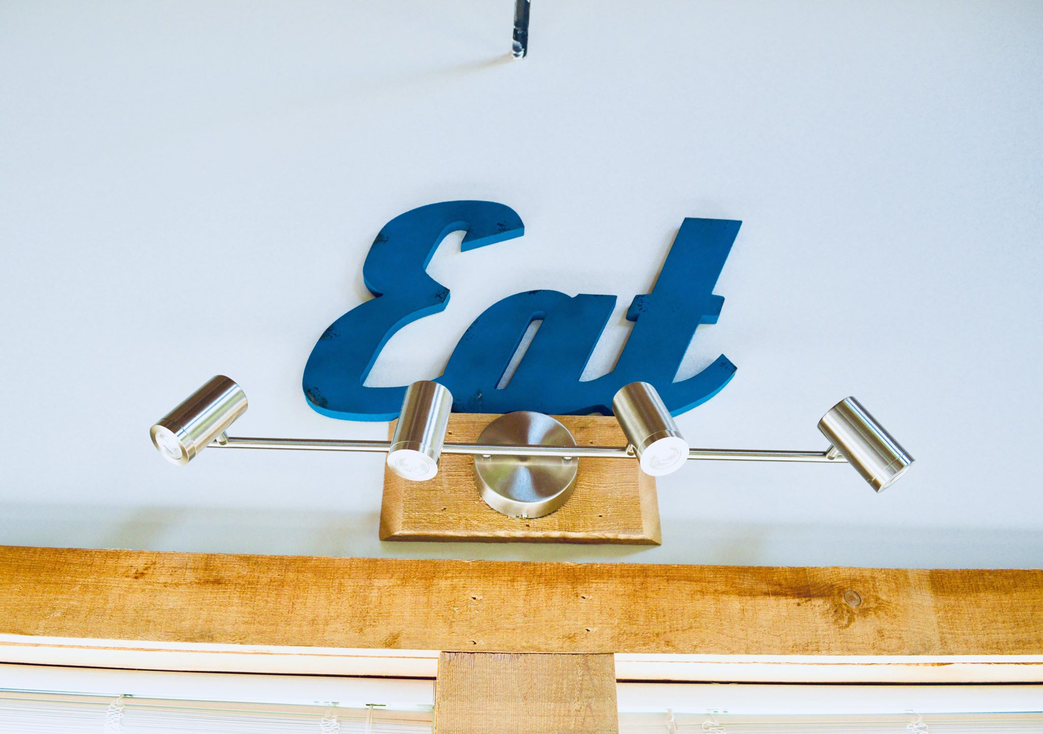 eat sign, modern farmhouse, farmhouse decor, minimalist, minimalism, farmhouse, barn home, modern homestead