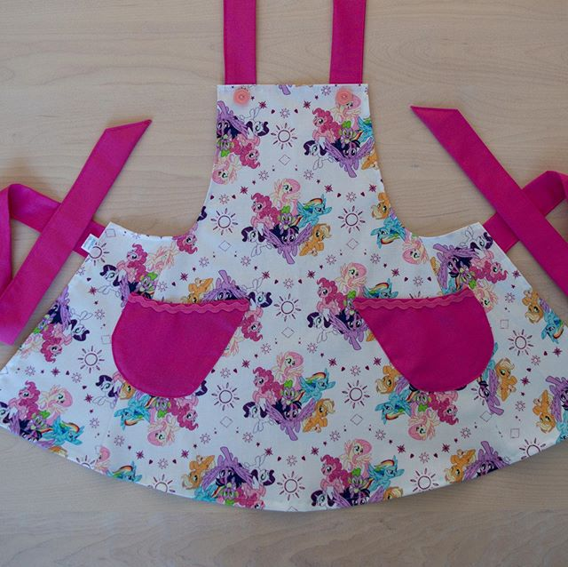 Les pouliches sont intemporelles 😂 My Little Poney...timeless 😁 #mylittleponey #apron #tablier #enfant #children