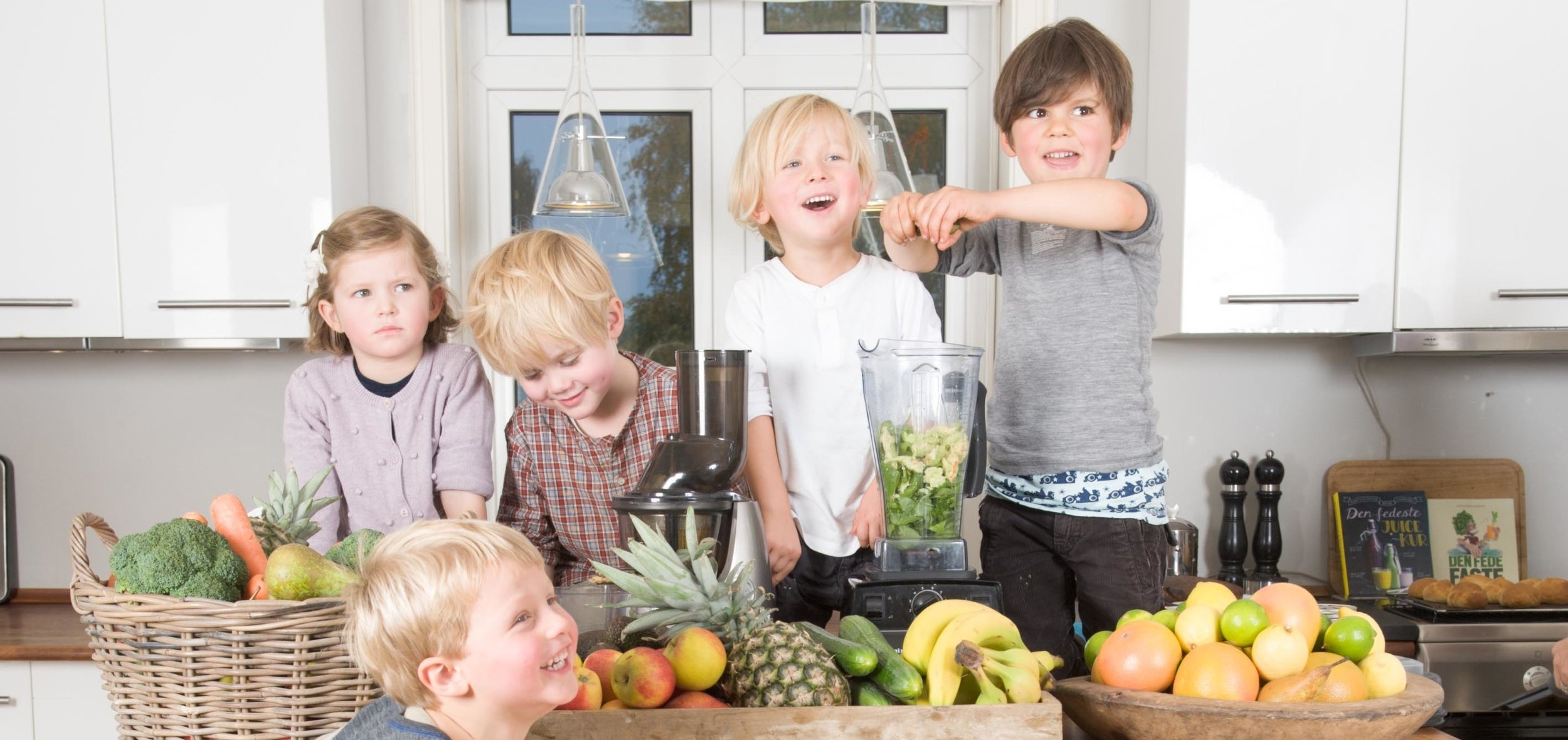 Lad børnene lave deres egne juice