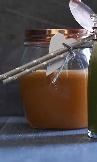 orange-juice-med-sugerør