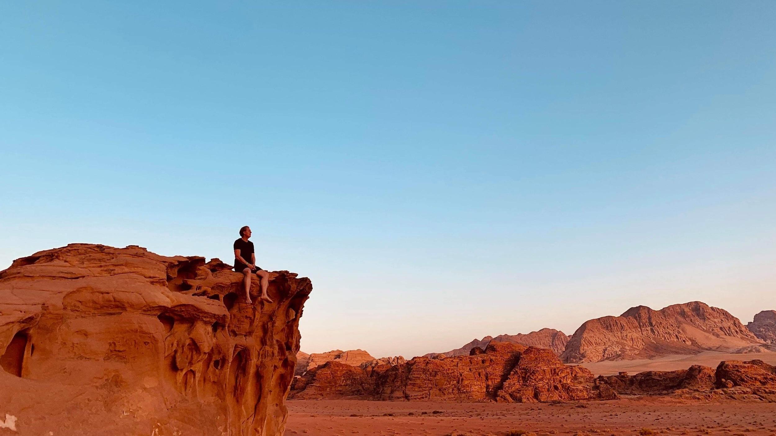 Digital-detox-in-the-desert