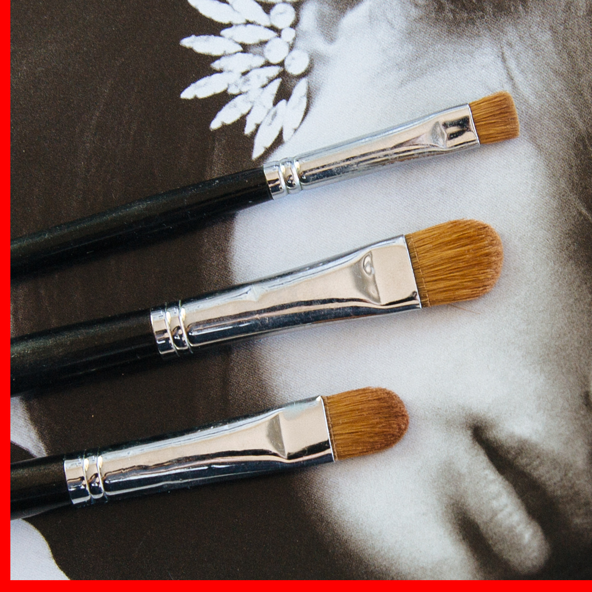 Stylesnooperdan-Beauty-Brushes-Eye-shadow-flat-brushes.jpg