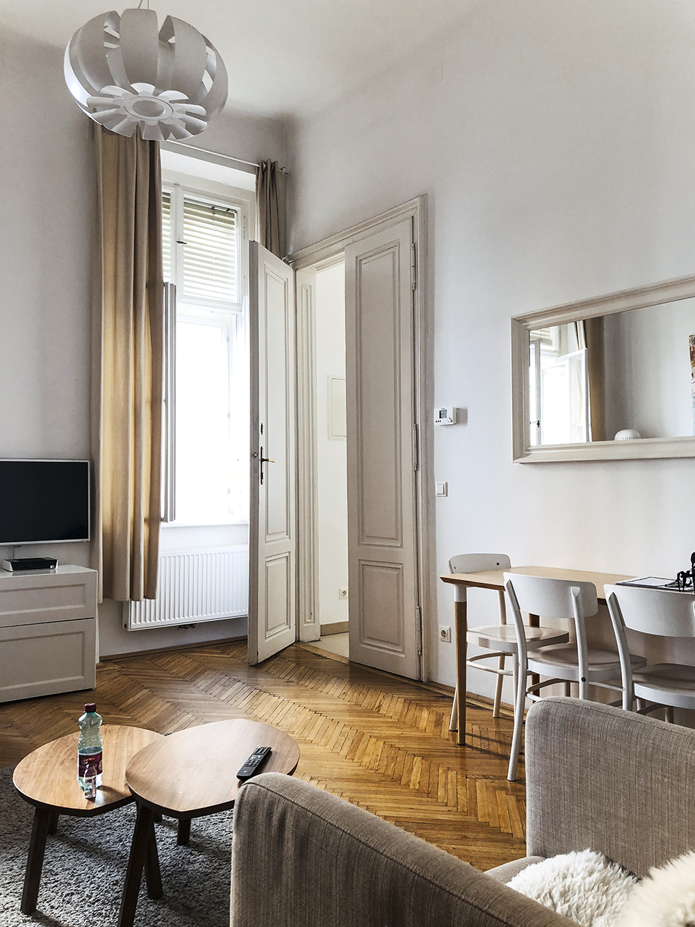 Vienna Apartment Stylesnooperdan 3.jpg