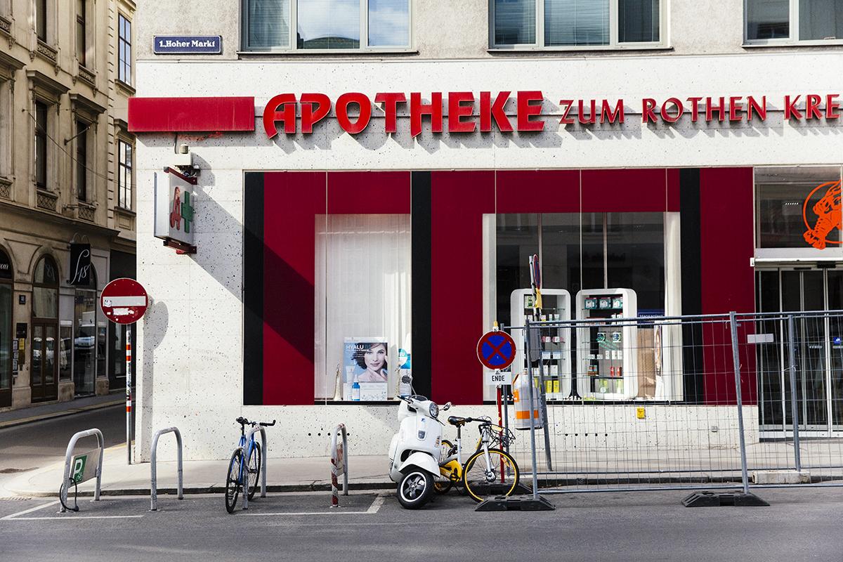 Vienna Apotheke Stylesnooperdan 1.jpg