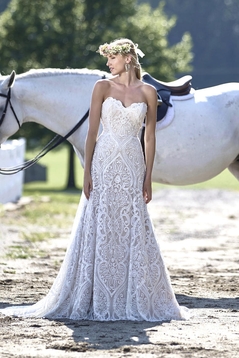 AshleyJustinBridal-BridesbyYoung-PlusSizeWeddingDress-10460.jpg