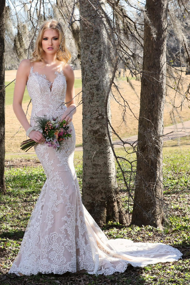 AshleyJustinBridal-BridesbyYoung-PlusSizeWeddingDress-10426.jpg