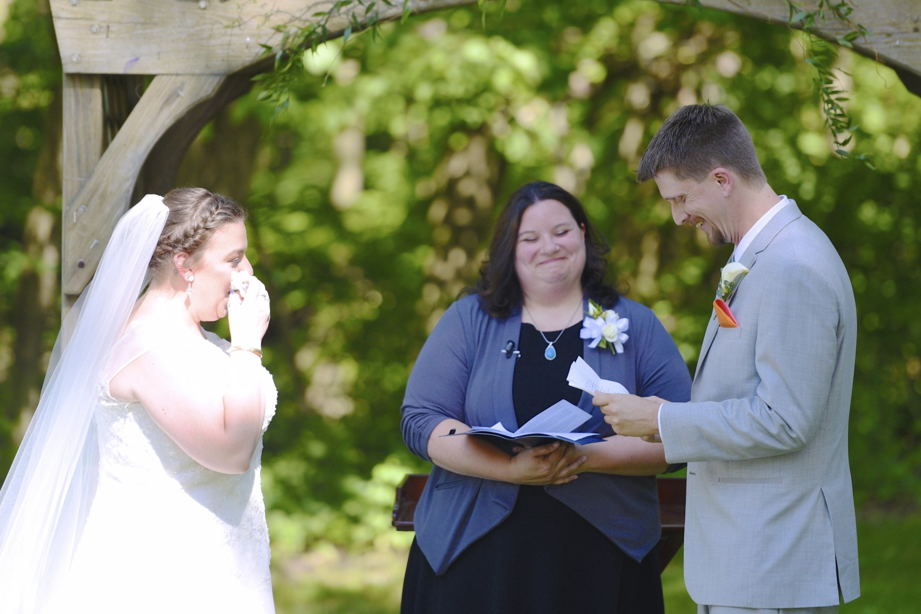 BridesbyYoung-RealBride-PlusSizeCurvyWeddingDress-MariyaChris-17.jpg