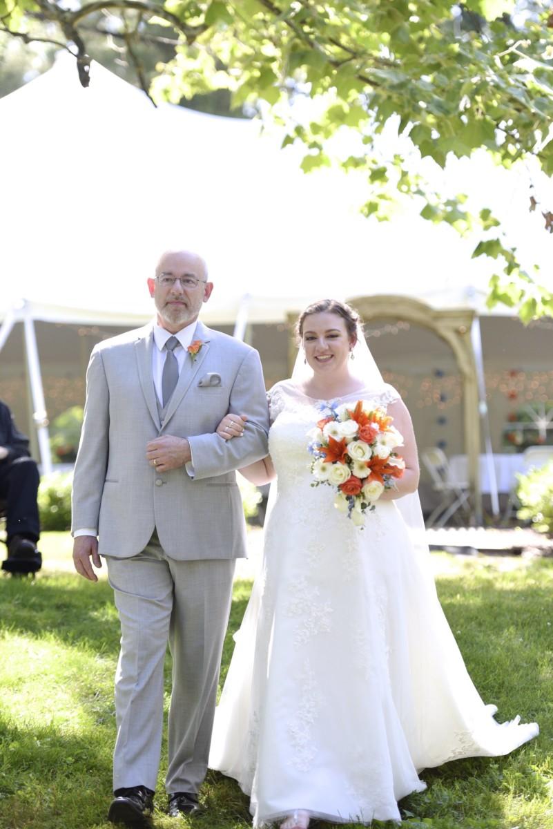 BridesbyYoung-RealBride-PlusSizeCurvyWeddingDress-MariyaChris-10.jpg