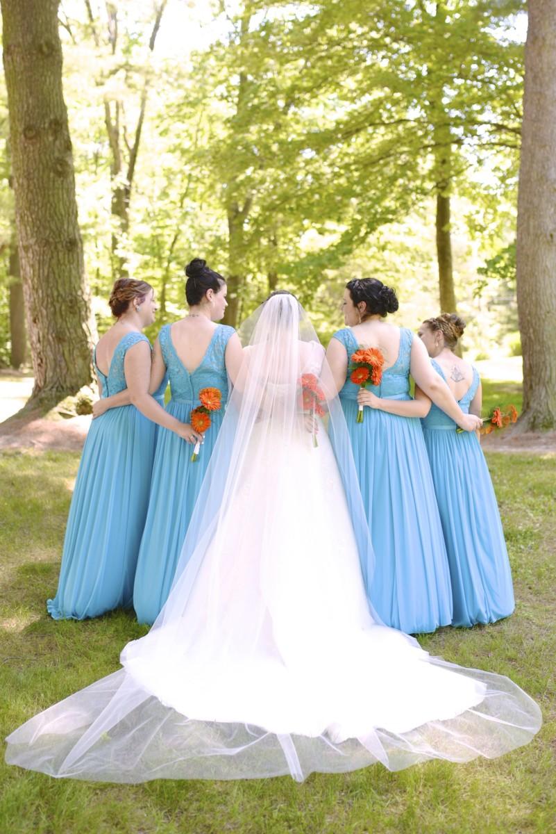 BridesbyYoung-RealBride-PlusSizeCurvyWeddingDress-MariyaChris-6.jpg