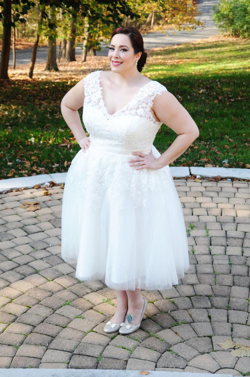 BridesbyYoung-IndianapolisIndianaSchaumburgChicagoIllinois-CurvyPlusSizeBridalStore-ShortWeddingDress-CAI16026SPTSQ-3.jpg