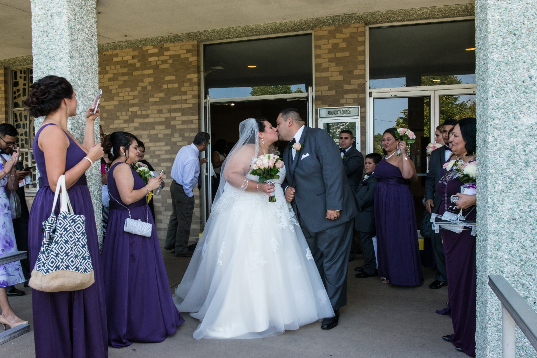 BridesbyYoung-RealBride-PlusSizeCurvyWeddingDress-MargieMichael-35.jpg