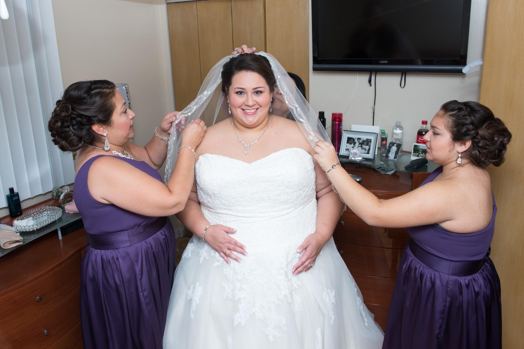 BridesbyYoung-RealBride-PlusSizeCurvyWeddingDress-MargieMichael-8.jpg