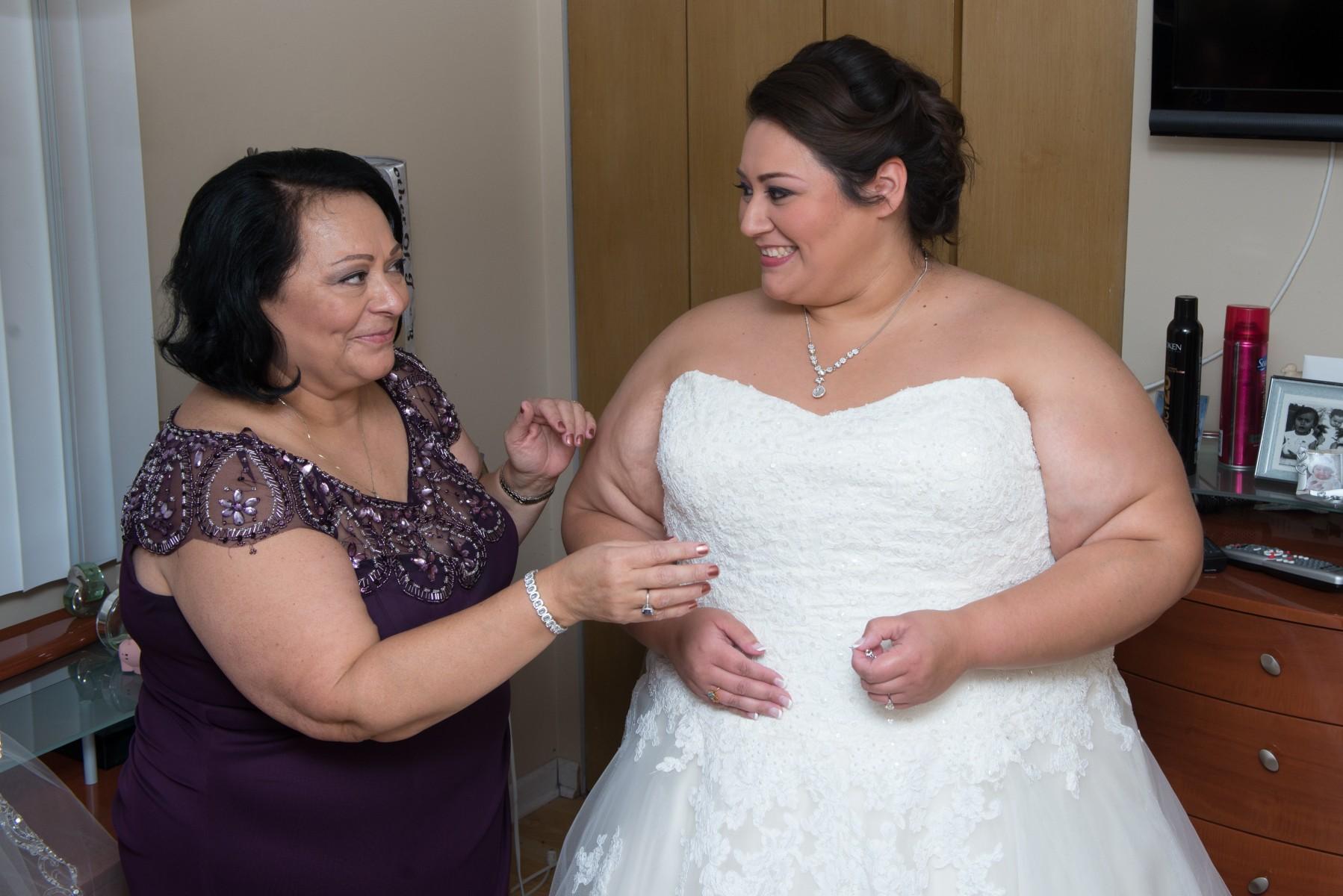 BridesbyYoung-RealBride-PlusSizeCurvyWeddingDress-MargieMichael-7.jpg