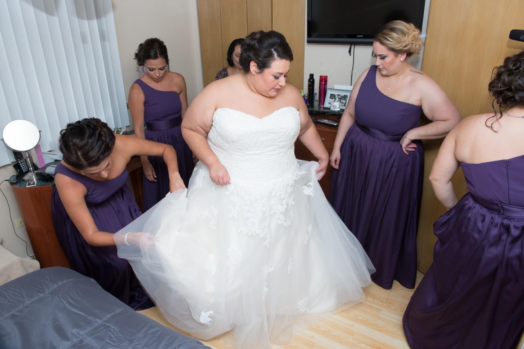 BridesbyYoung-RealBride-PlusSizeCurvyWeddingDress-MargieMichael-6.jpg
