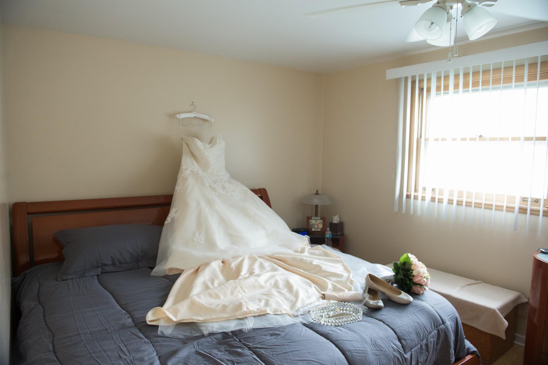 BridesbyYoung-RealBride-PlusSizeCurvyWeddingDress-MargieMichael-2.jpg
