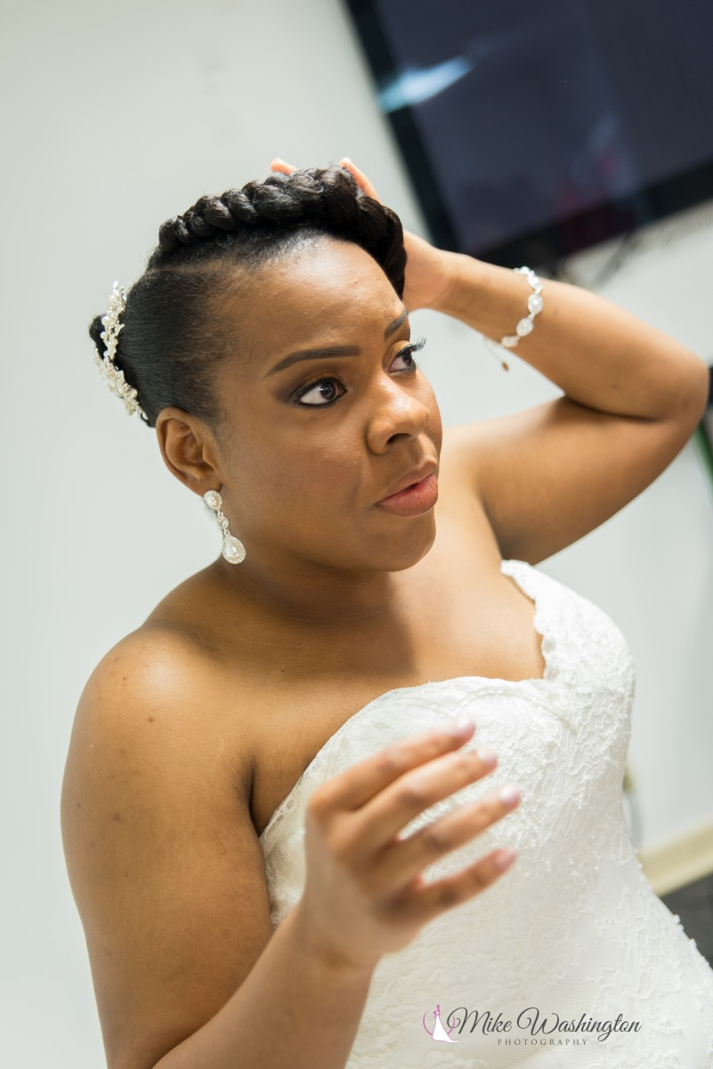 BridesbyYoung-RealBride-PlusSizeCurvyWeddingDress-BrittanyZach-3.jpg