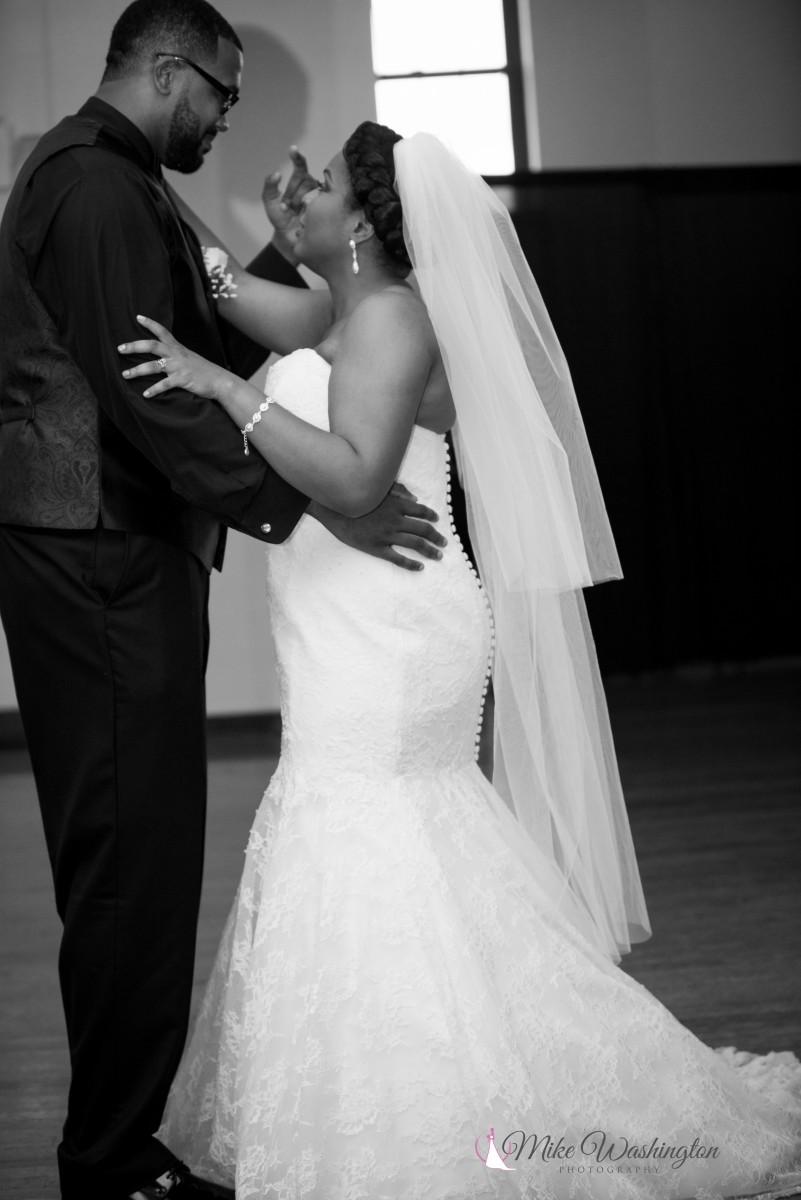 BridesbyYoung-RealBride-PlusSizeCurvyWeddingDress-BrittanyZach-14.jpg