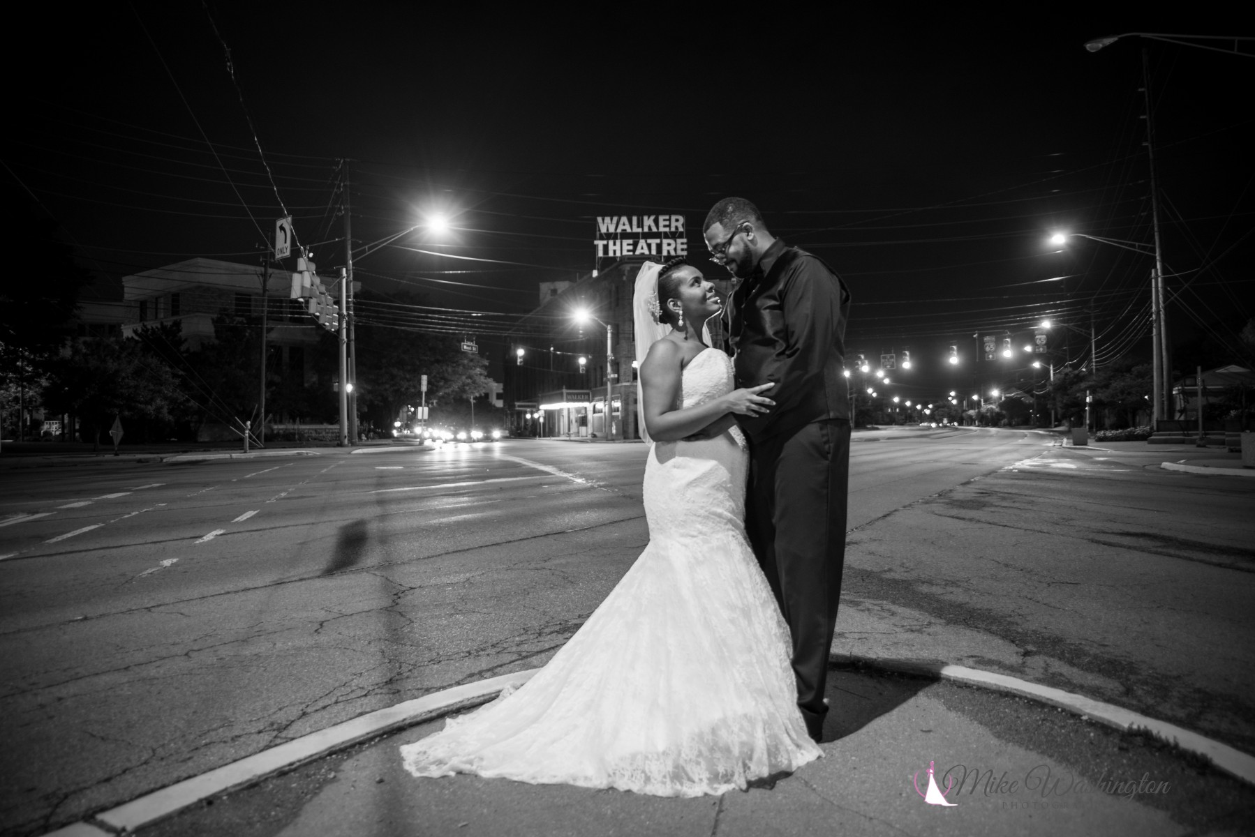 BridesbyYoung-RealBride-PlusSizeCurvyWeddingDress-BrittanyZach-18.jpg