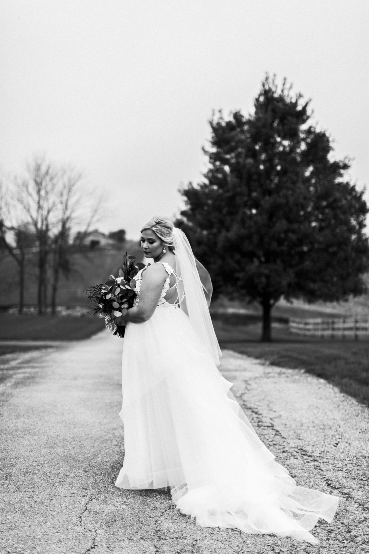BridesbyYoung-Curvy-BlushHayleyPaige-Madi-Wedding-Inspiration-17.jpg