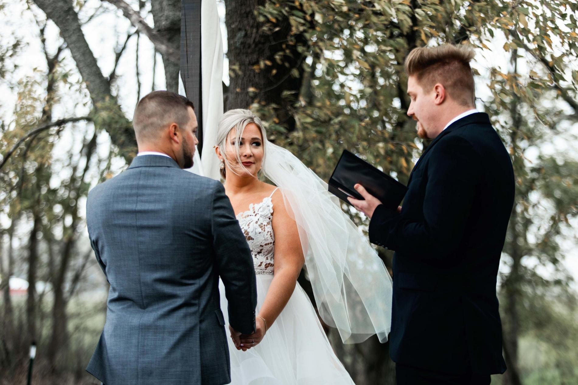 BridesbyYoung-Curvy-BlushHayleyPaige-Madi-Wedding-Inspiration-22.jpg