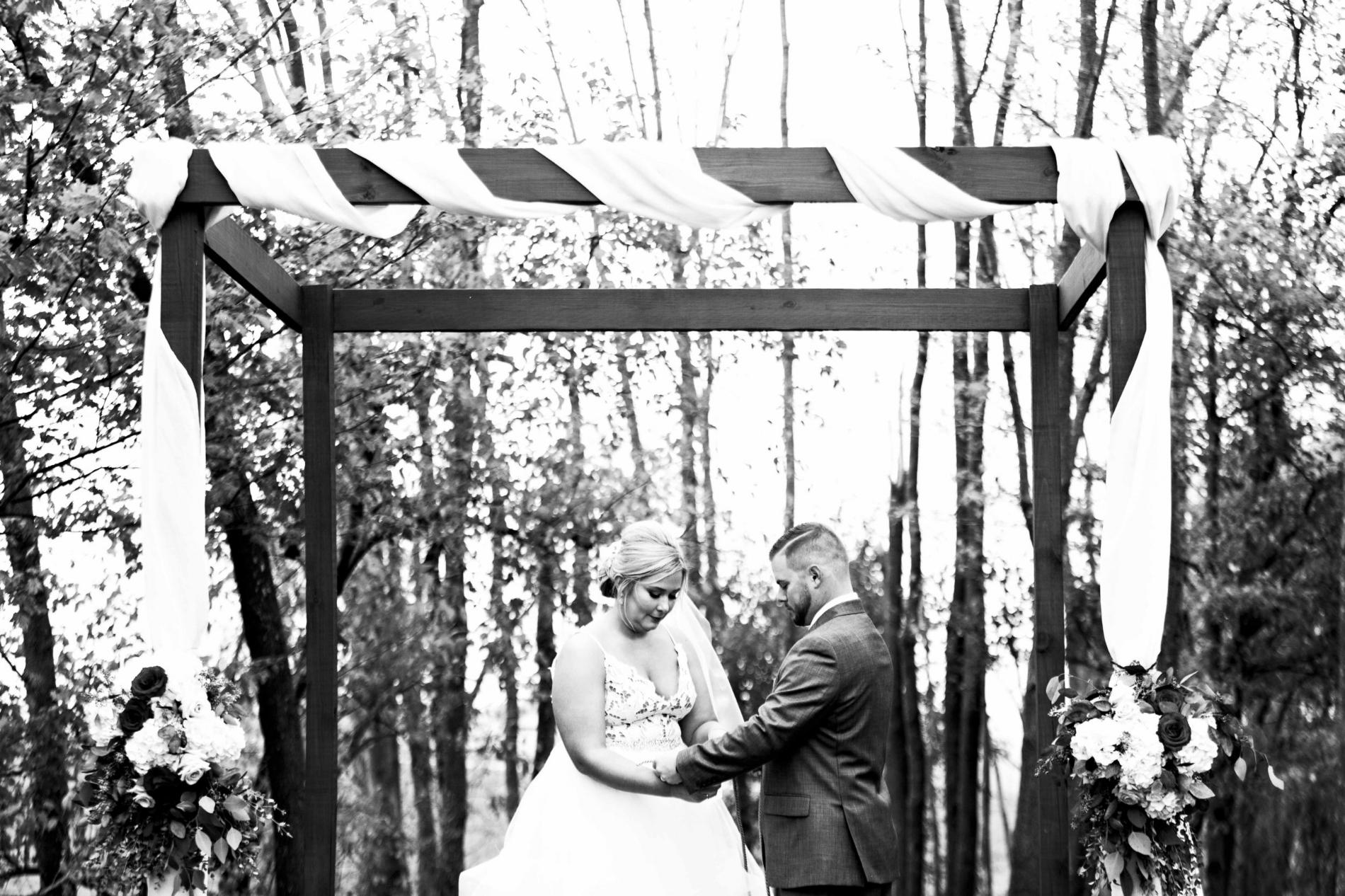 BridesbyYoung-Curvy-BlushHayleyPaige-Madi-Wedding-Inspiration-23.jpg