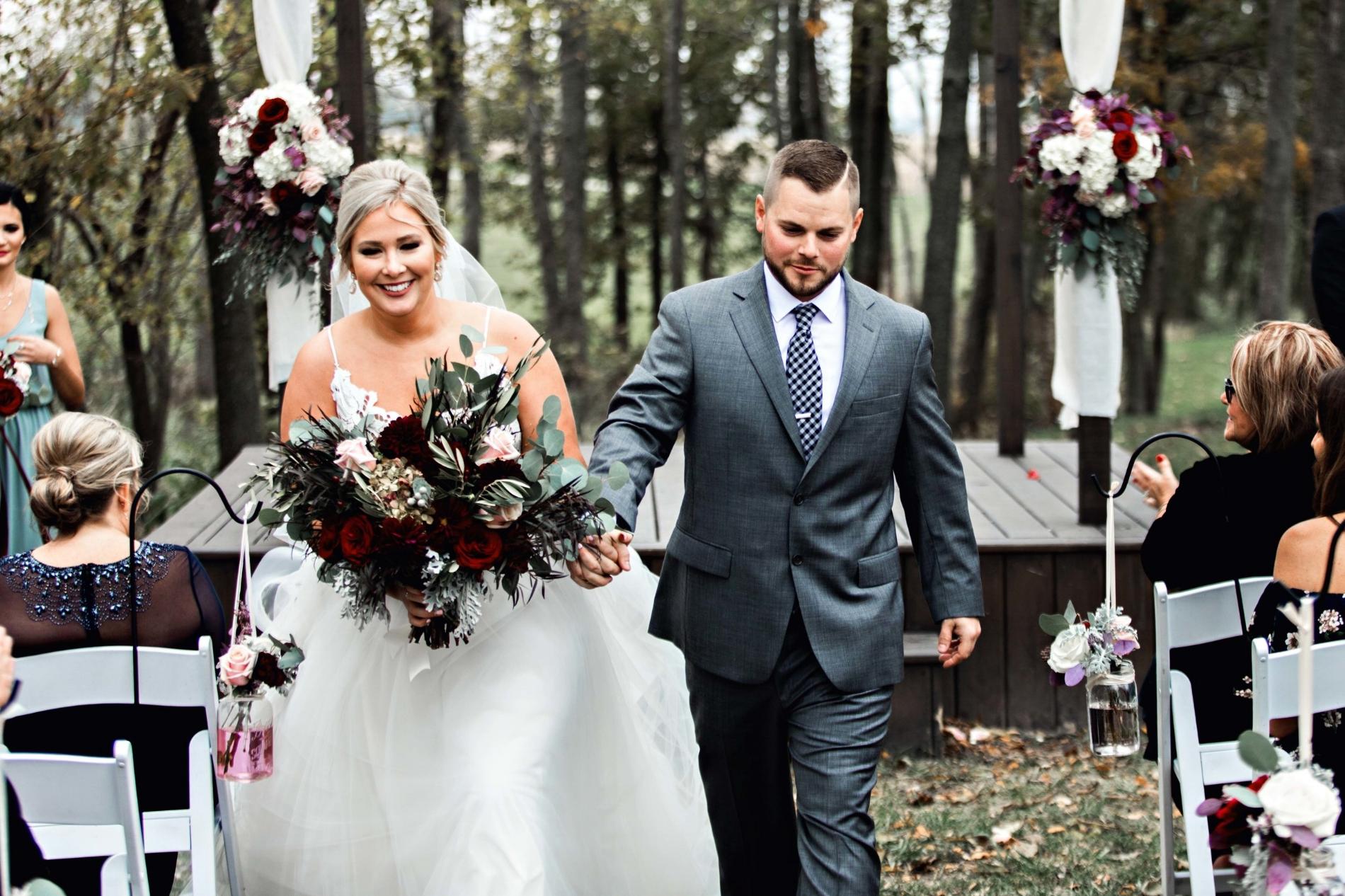 BridesbyYoung-Curvy-BlushHayleyPaige-Madi-Wedding-Inspiration-25.jpg