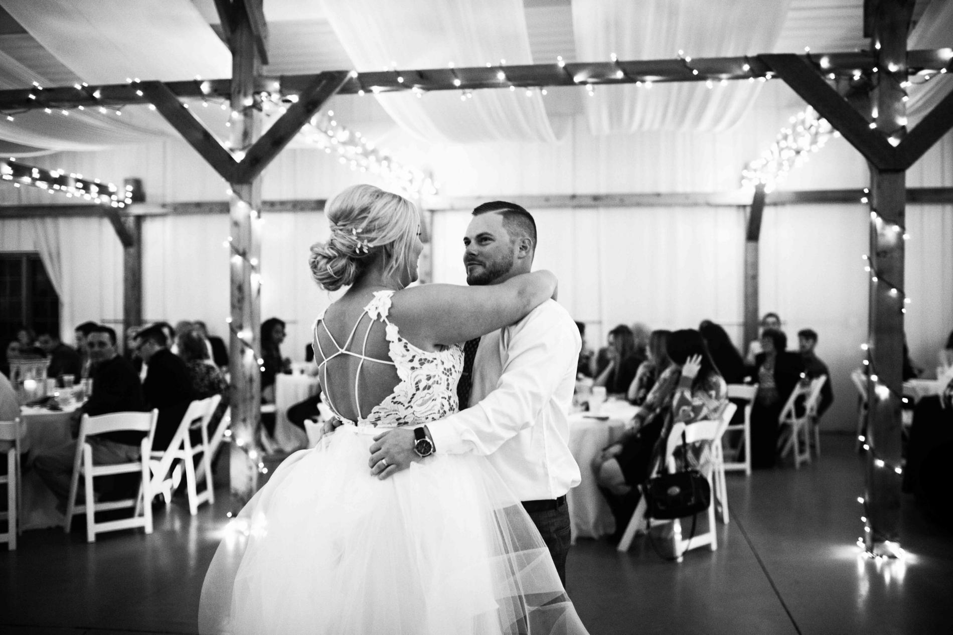 BridesbyYoung-Curvy-BlushHayleyPaige-Madi-Wedding-Inspiration-33.jpg